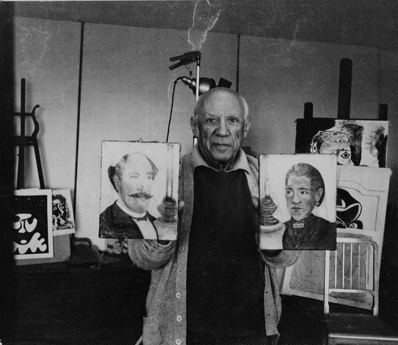 Picasso holding Rousseau
