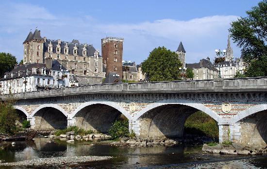 Pau (France)