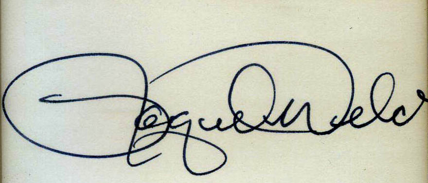 raquel welch_signature