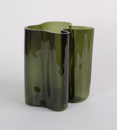 Vase (1936)