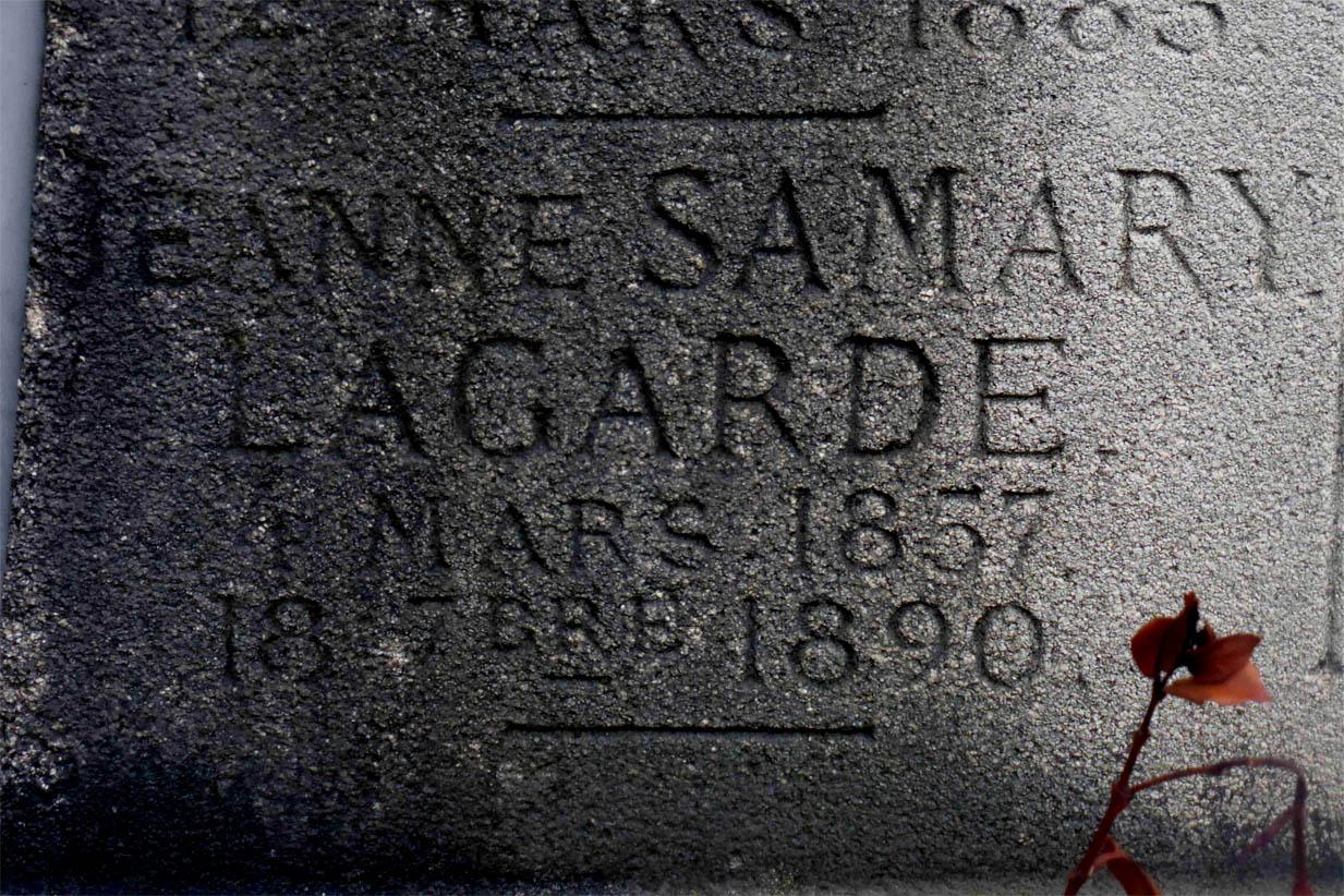 Gravestone of Jeanne Samary