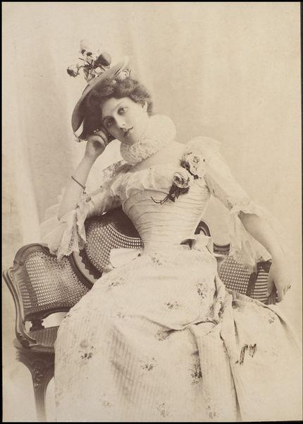 Henriette Henriot c1900